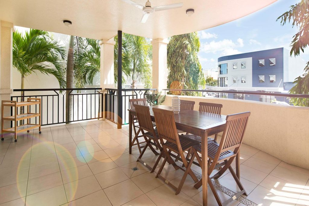 1200-1bed-2bed-regency-cairns-accommodation2