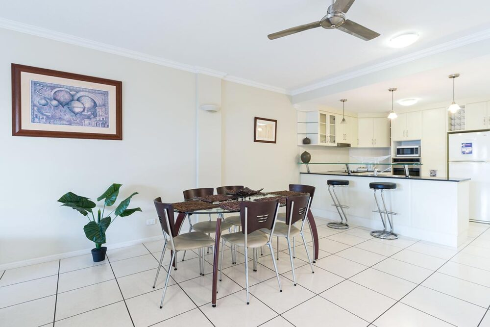 1200-1bed-2bed-regency-cairns-accommodation6