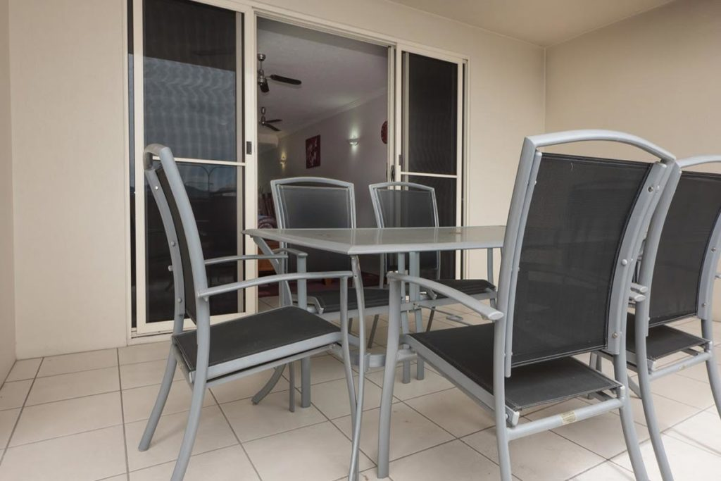 1200-2bed-claredon-cairns-accommodation1
