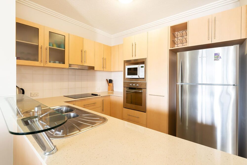1200-2bed-claredon-cairns-accommodation5