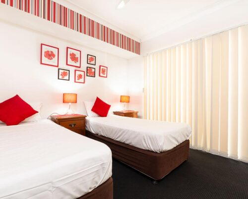 1200-2bed-claredon-cairns-accommodation7