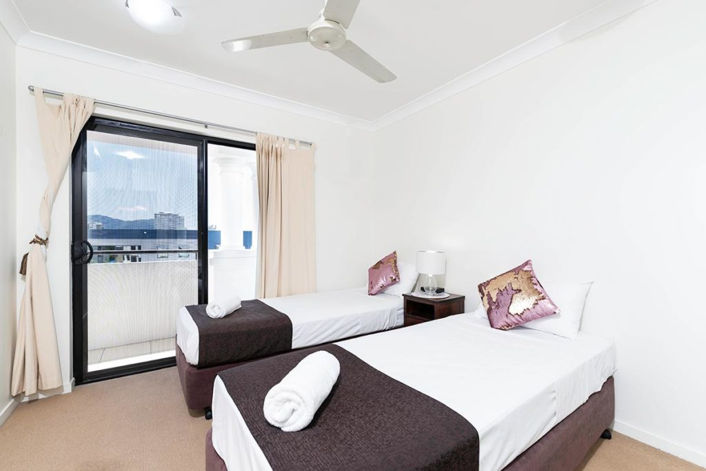 1200-3bed-beaumont-cairns-accommodation13