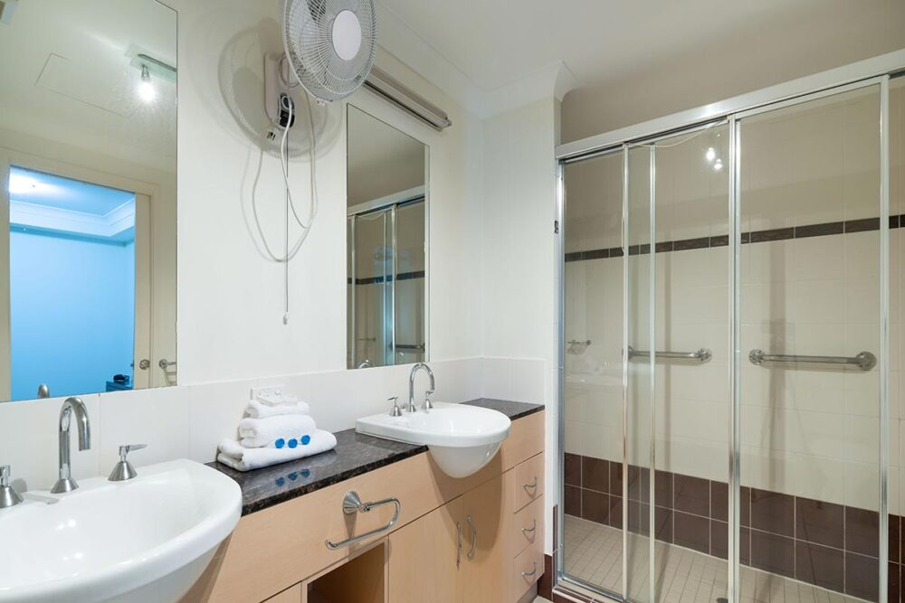 1200-3bed-beaumont-cairns-accommodation18