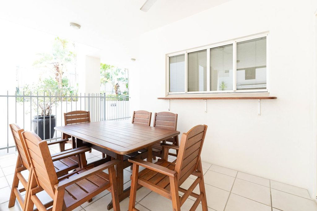 1200-3bed-claredon-cairns-accommodation1