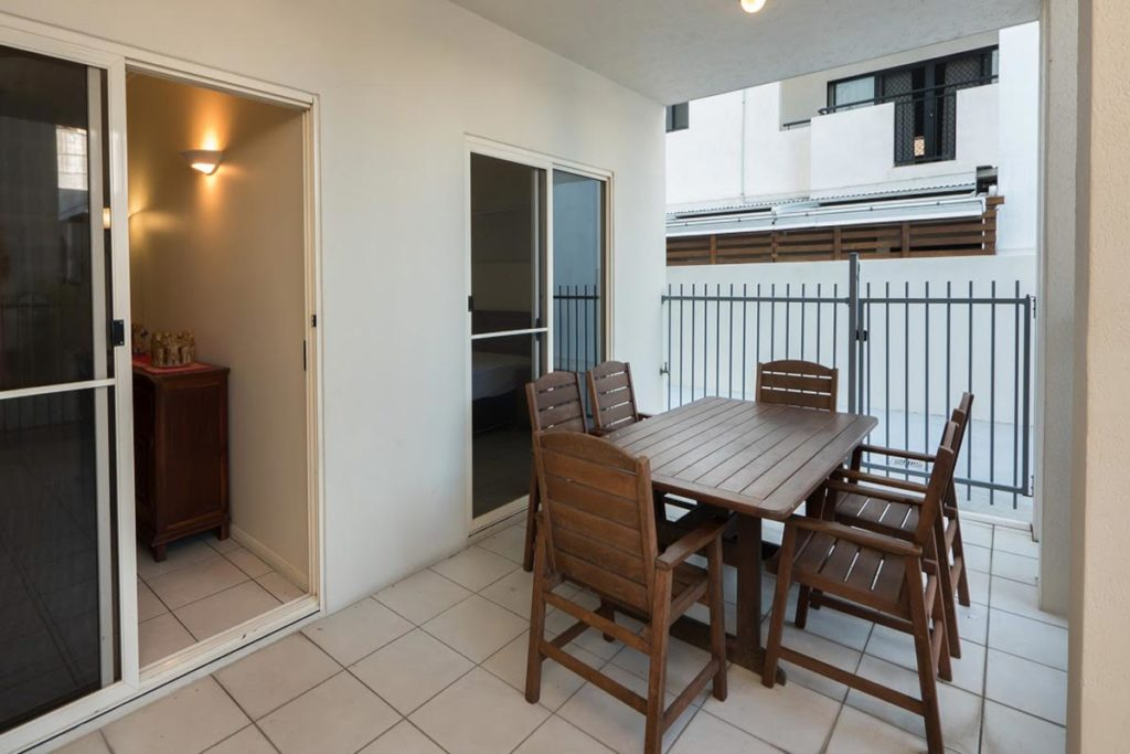 1200-3bed-claredon-cairns-accommodation10