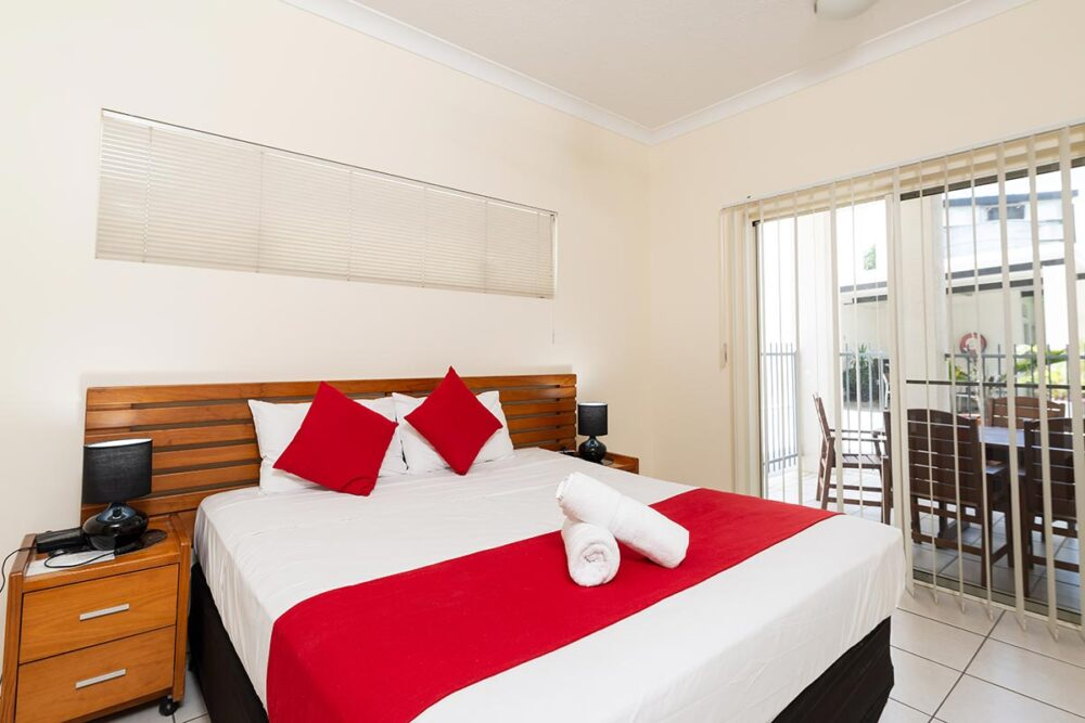 1200-3bed-claredon-cairns-accommodation11