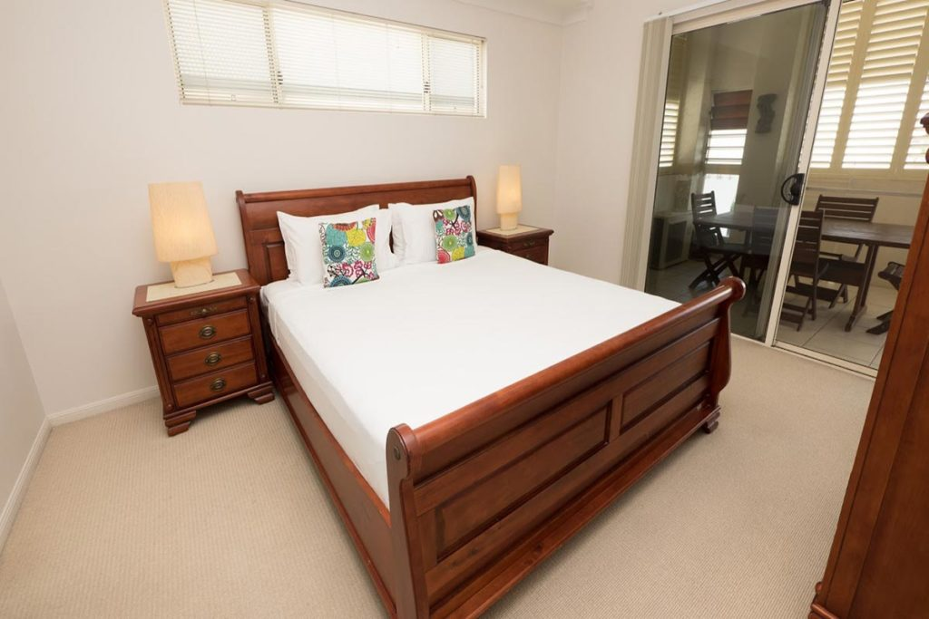 1200-3bed-claredon-cairns-accommodation16