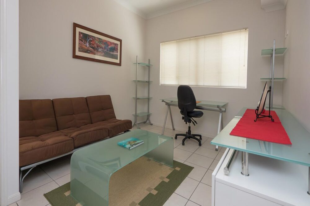 1200-3bed-claredon-cairns-accommodation17