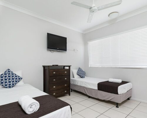 1200-3bed-claredon-cairns-accommodation19