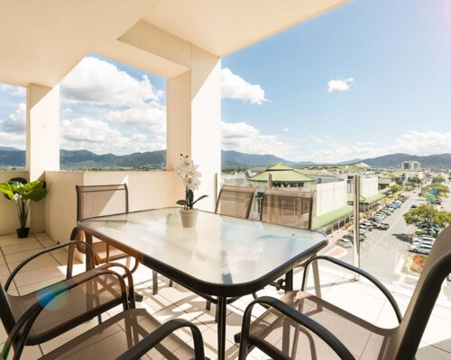 1200-3bed-claredon-cairns-accommodation20
