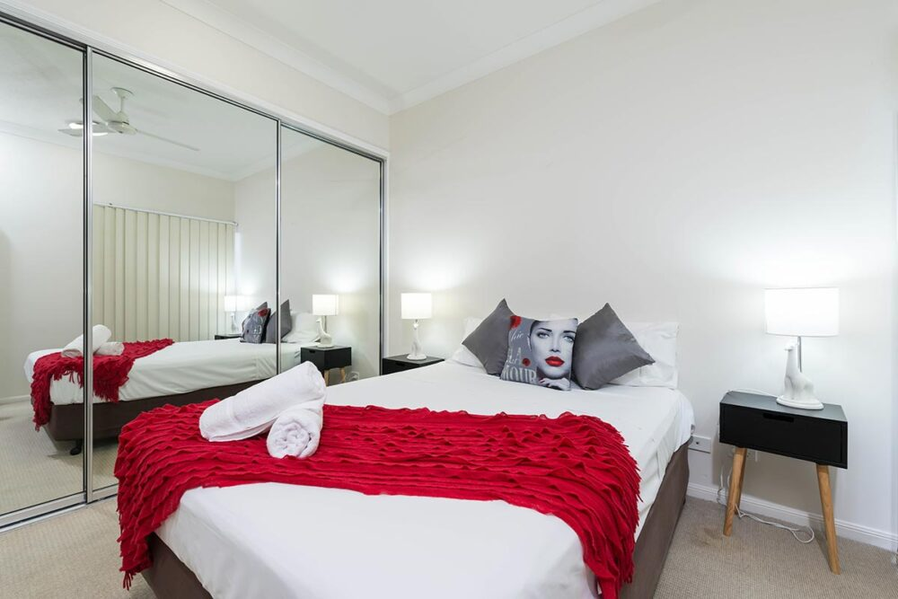 1200-3bed-claredon-cairns-accommodation21