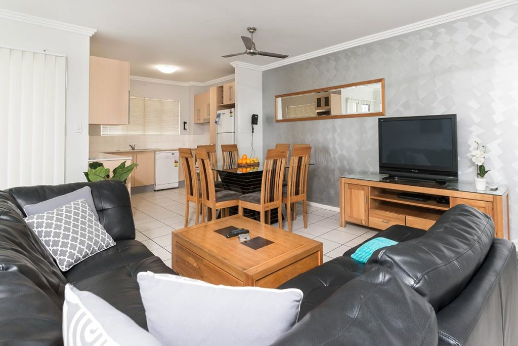 1200-3bed-claredon-cairns-accommodation22