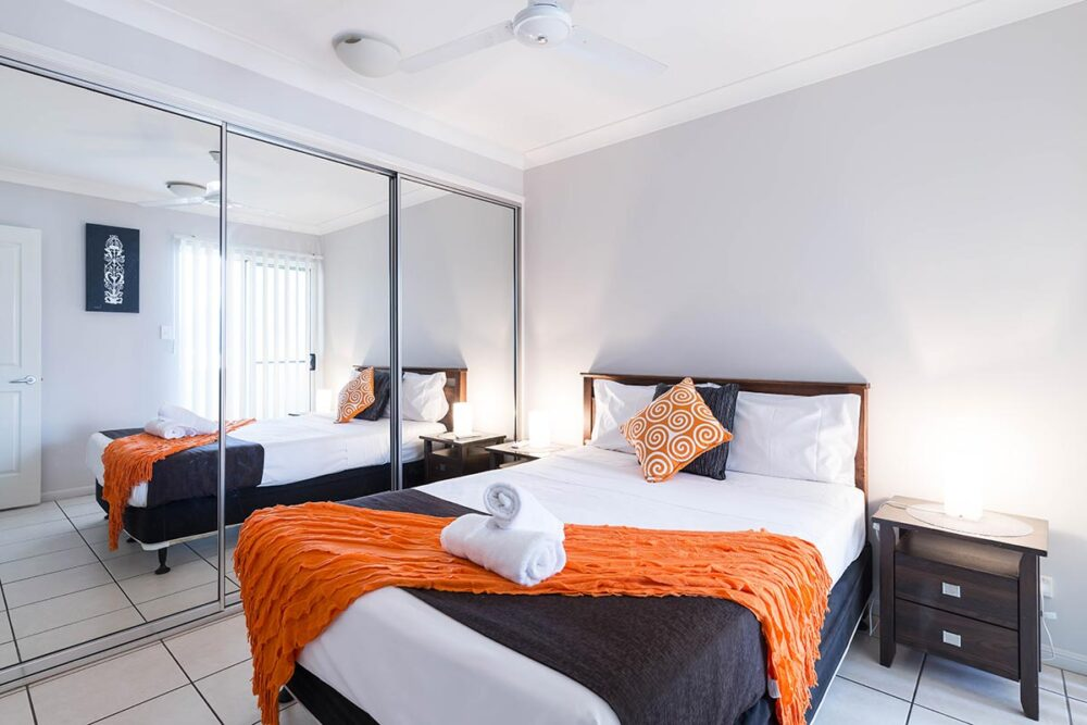 1200-3bed-claredon-cairns-accommodation23