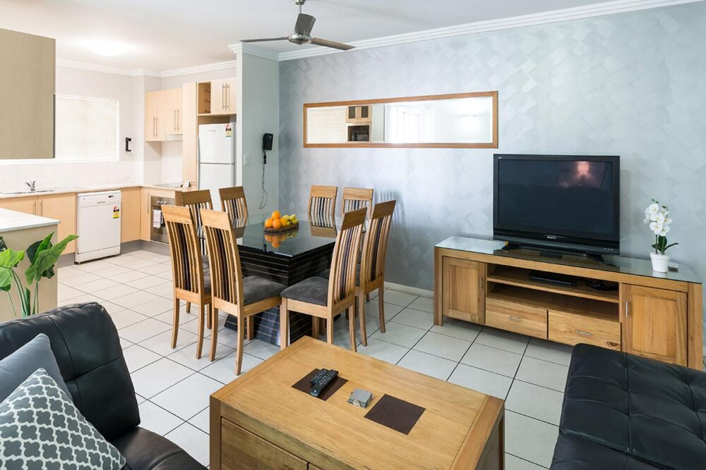 1200-3bed-claredon-cairns-accommodation24
