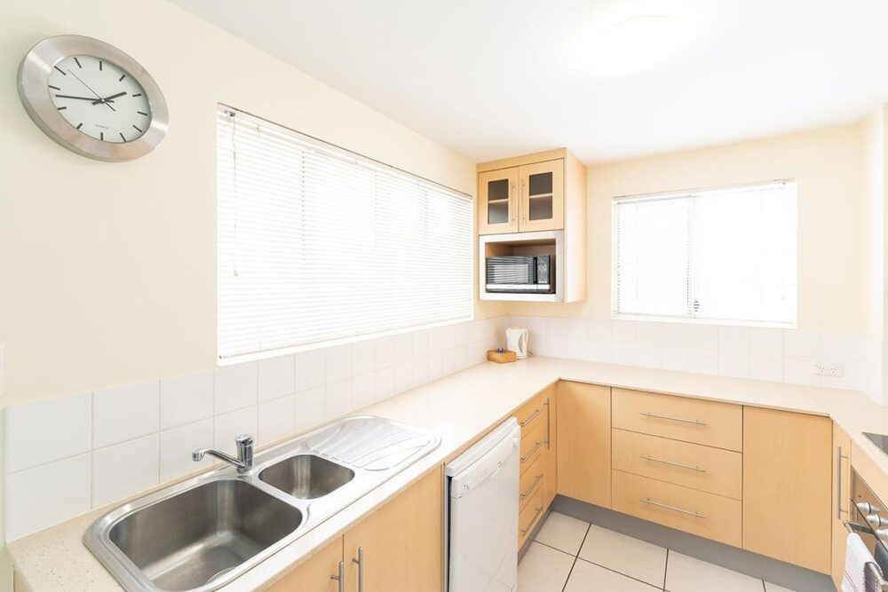 1200-3bed-claredon-cairns-accommodation5
