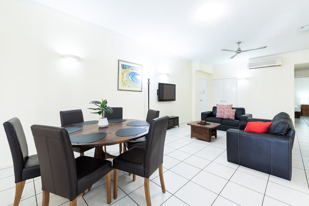 1200-3bed-claredon-cairns-accommodation6