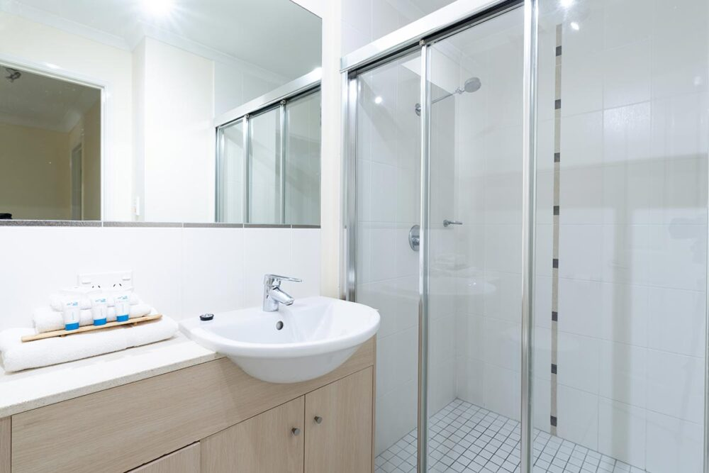 1200-3bed-claredon-cairns-accommodation8