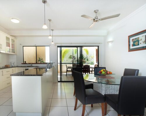 1200-3bed-regency-cairns-accommodation3